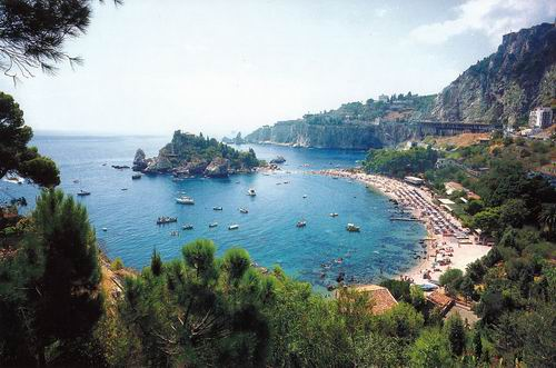 Mediterranean beaches check out the beaches of taormina for Taormina sicilia